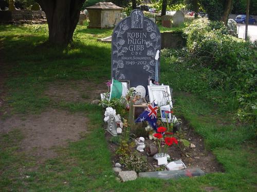 Robin Gibb's Grave, St. Mary the Virgin, Thame