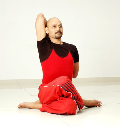 Meet the 12 most renowned yoga gurus of India
