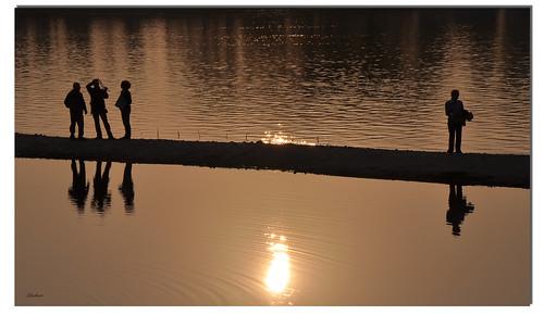sunset people backlight reflections tramonto lagoon persone laguna riflessi controluce ghostbuster gigi49 reflectsobsessions