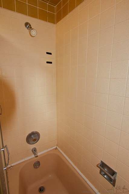 Bathroom remodel before 4 flickr photo sharing for Bathroom remodel schaumburg il