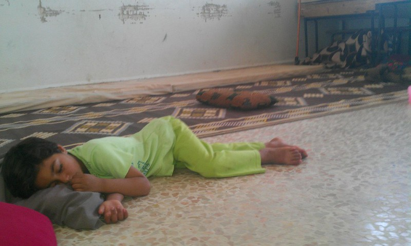 حمص الحولة معاناة الاهالي في أماكن النزوح 5 6 2012 (1)