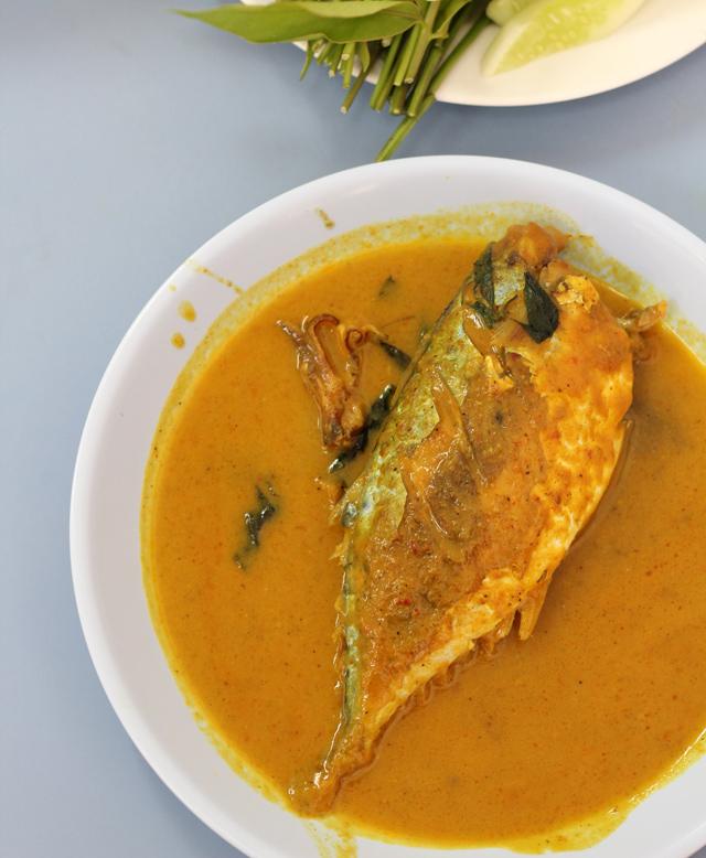 Pla Too Chuchee (Mackerel Curry) ปลาทูฉู่ฉี่