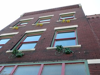 05-09-2012— Looking up at  328 E Commercial Street