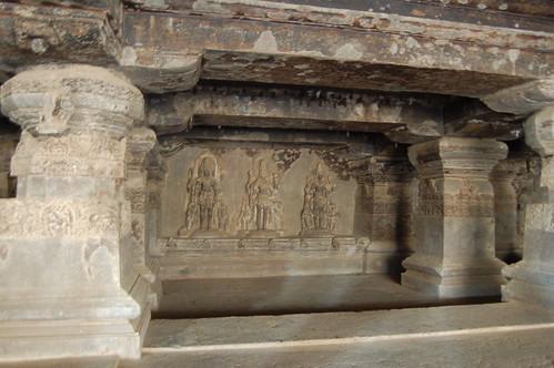 Das Trimurti Relief zeigt die drei Hauptgötter der Hindus