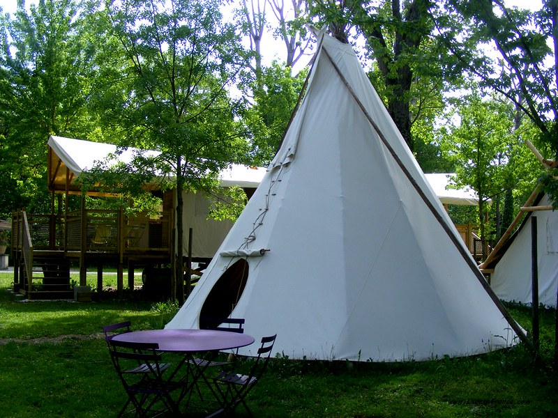 tipis+yourtes+roulottes