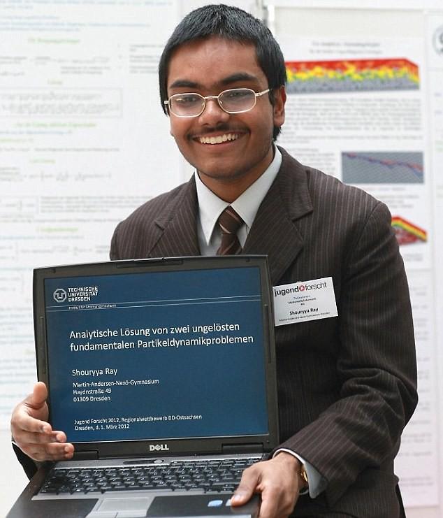 Shouryya Ray, genio de 16 años que ha resuelto un problema propuesto por Newton hace más de 300 años (Actualizado)
