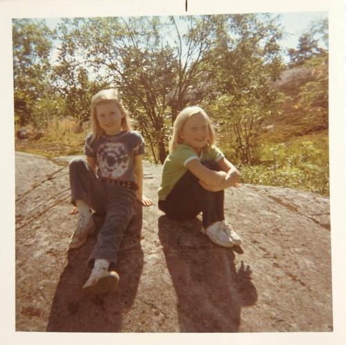 Anna och Anna-Karin i Öregrund 1970