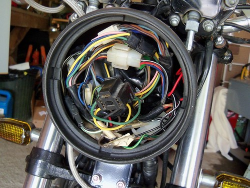 Sportster headlamp wiring collection of wiring diagram the 520 chain cafe sr500 rh the520chaincafe blogspot com h4 headlight wiring diagram relay wiring diagram swarovskicordoba Images