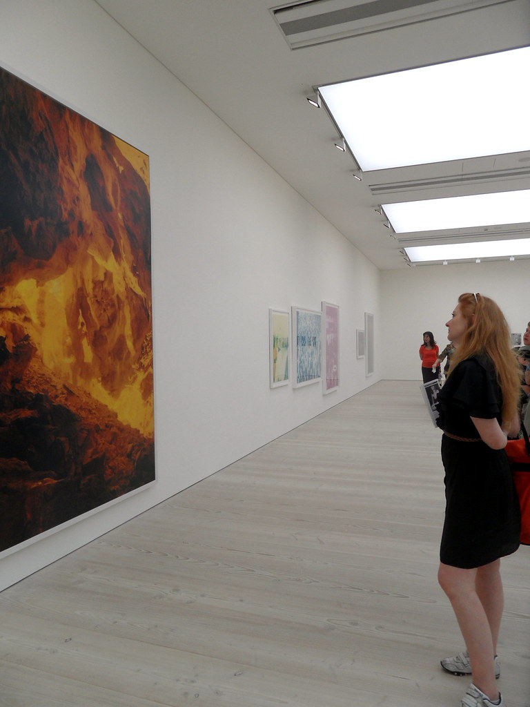Saatchi Gallery Out of Focus Private View (61)
