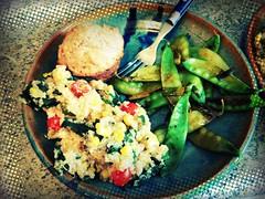 Quinoa, muffin, peas