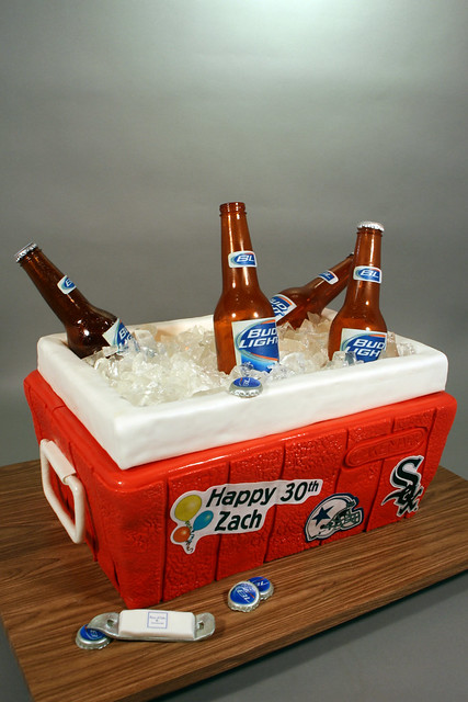 Beer Cooler Cake http://www.flickriver.com/photos/7632830@N08/7383784154/