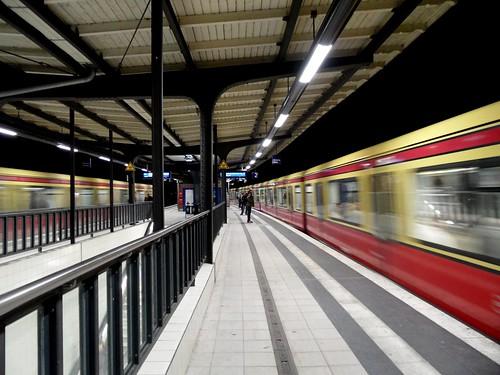 Berlin - S-Bahnhof Sonnenallee - Ringbahn Linien S41 und S42
