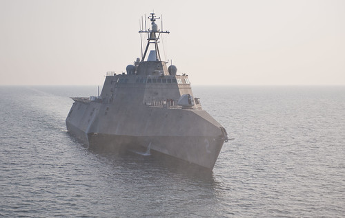USS Independence (LCS 2) steams through the Atlantic Ocean off the coast of Florida.