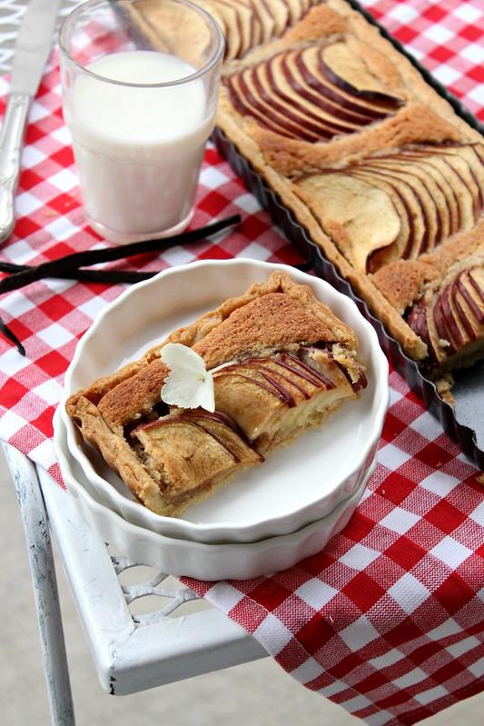 Vanilla - Apple Frangipane Tart 3