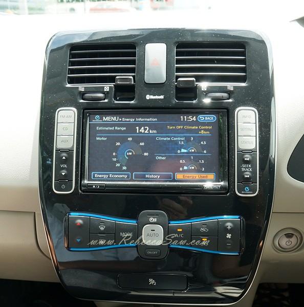 nissan leaf - all electric car-032
