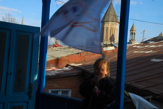 Saskia with the Fingo Flag
