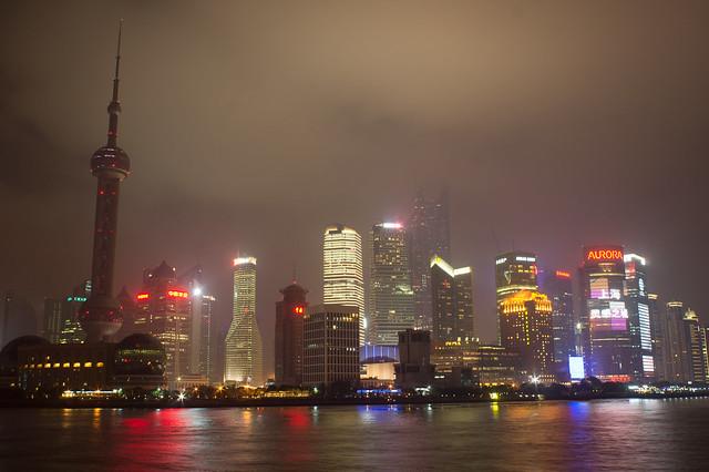 熄灯后的陆家嘴,上海外滩