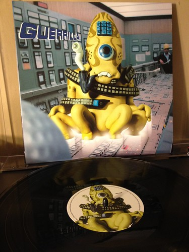 Super Furry Animals - Guerrilla (1999 Creation Records) 45rpm, mastered by Miles Showell at Metropolis   [img]http://farm8.staticflickr.com/7099/7074155453_e4fd486ba4_c.jpg[/img]  [img]http://farm8.staticflickr.com/7260/7074161923_832c0c4ce5_z.jpg[/img]