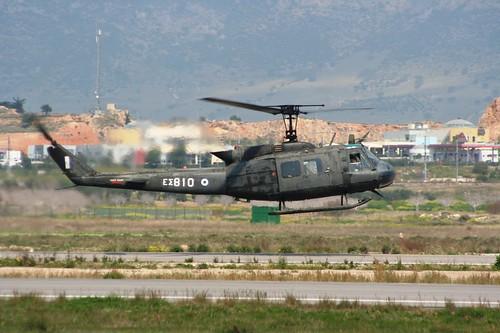 BELL UH-1H ΕΣ810