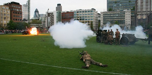 WW2 gun firing at a German armoured vehicle at the HAC open evening