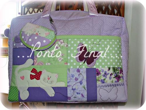...Bolsa maternidade em patchwork...Com porta chupeta... by Ponto Final - Patchwork
