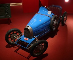 Bugatti Toy car blue vlo