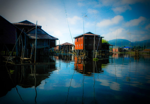 Inle Lake: Houses on Stilts