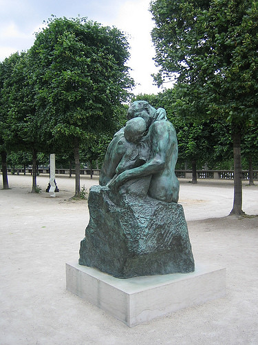IMG__7910 - The Kiss, Auguste Rodin, , Jardin des Tuileries, Paris 2008
