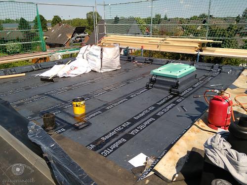 Stand vor Pfingsten - nach 3,5 Arbeitstagen auf dem Dach