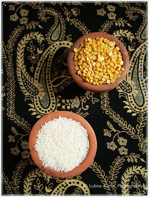 Rice and Toor Dal in earthen pots