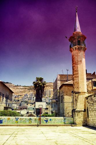city palestine westbank minaret nablus mosque kindergarten territories palestinian vestbredden