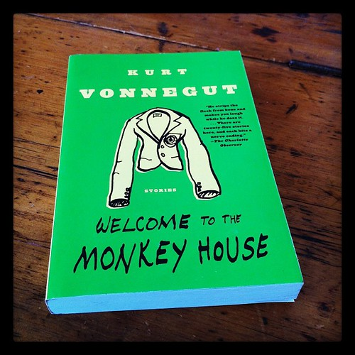 welcome to the monkey house Get this from a library welcome to the monkey house : a collection of short works [kurt vonnegut] -- tender stories of love, incisive essays on human greed and misery, and imaginative tales of futuristic happenings reveal vonnegut's versatility and vision.