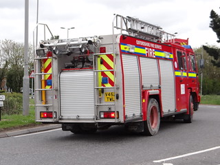 Oxfordshire Fire & Rescue Service - Volvo Water Tender ( V452 TWL )