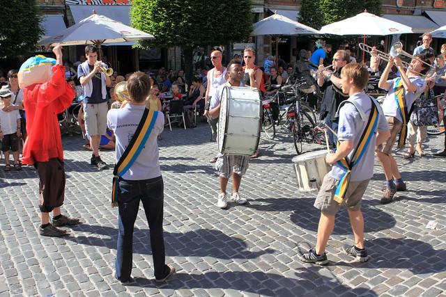 Studentenfanfare op de Oude Markt tijdens Leuven in Scène