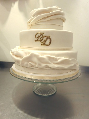 Fondant Shash Wedding Cake by CAKE Amsterdam - Cakes by ZOBOT