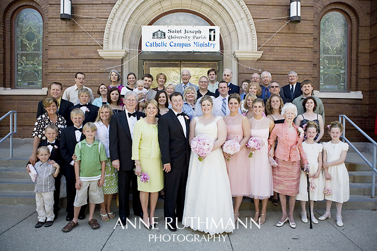 Large Group Wedding Photo 4