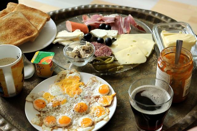Sonntagsfrühstück * В воскресенье завтрак * Sunday breakfast