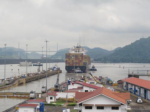 Canal de Panama: oufti, l'énorme porte-conteneurs ! Il se dirige vers l'Atlantique