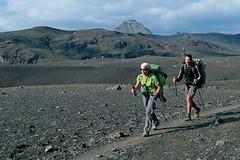 Cestování na divoko - s čím přežít na horách