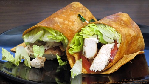 Grilled chicken pesto wrap by Coyoty