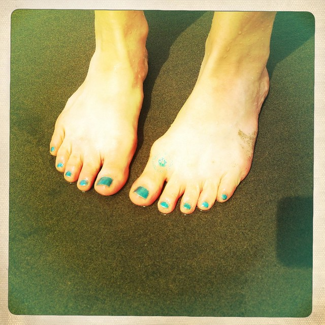 San Francisco - Ocean beach - Altene's painted toes