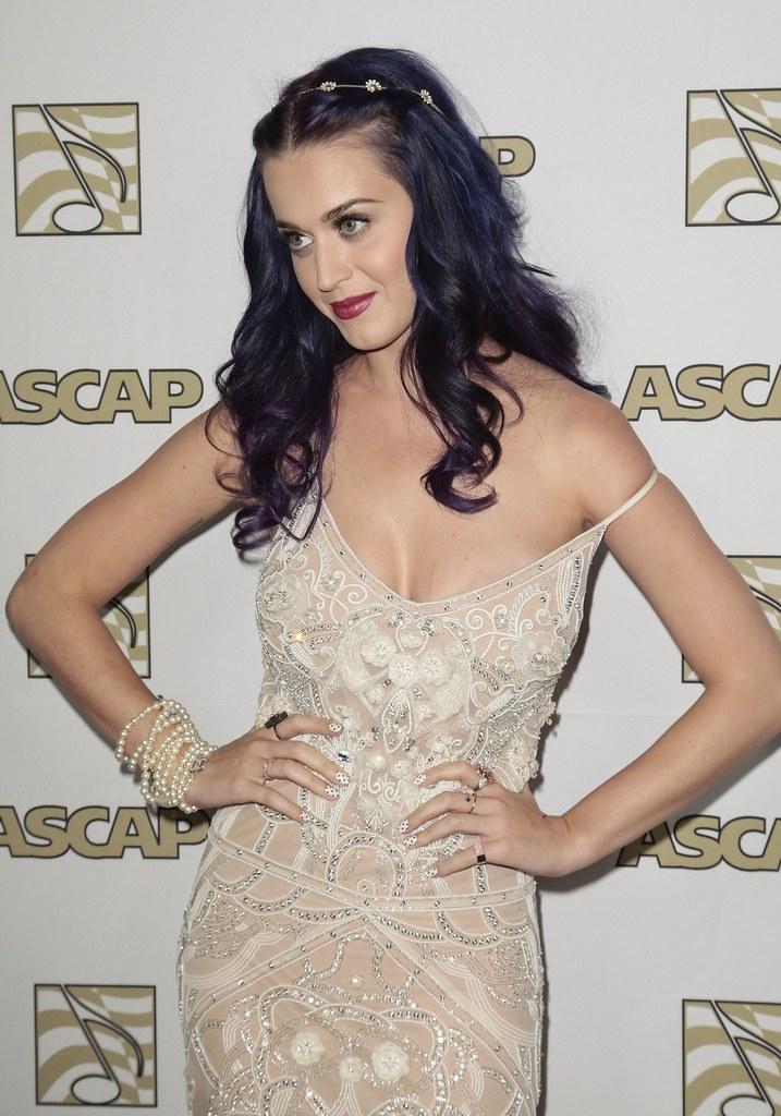 katy-perry-celebutopia-CD041802