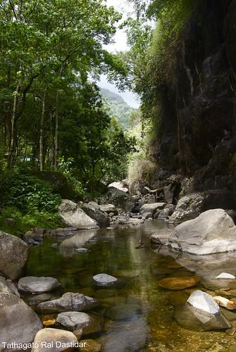 shadow india reflection waterfall lowlight nikon stream raw kerala whirlpool rapid wayanad kalpetta meppadi d80 lanternstay