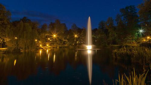 light water fountain night germany dark deutschland thüringen thuringia illuminated heiligenstadt eichsfeld theodorstorm ef24105mmf4lisusm heilbad canoneosd canoneos5dmarkii