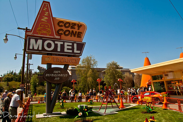 Cars Land - Cozy Cone Motel