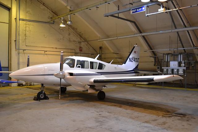 N2401Z PA-23-350 Aztec F