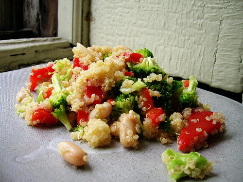 quinoa salad with cannellini beans, broccoli, and roasted red bell pepper