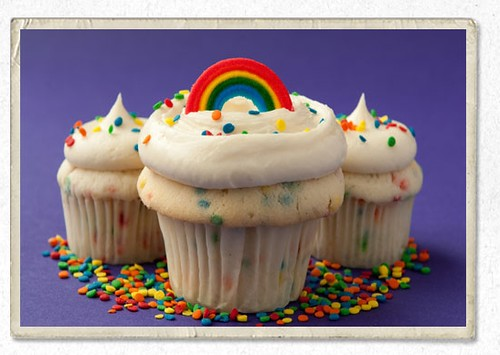Gay cupcakes, photo c/o cupcake royale