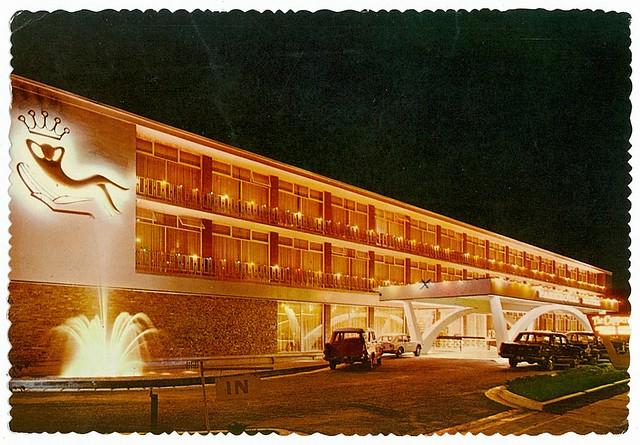 Parkroyal Motor Inn at night, Canberra, ACT