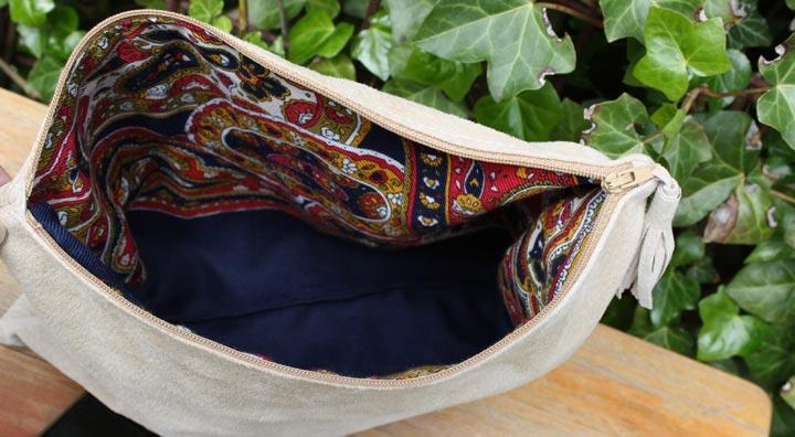Voering van de handgemaakte fold-over clutch